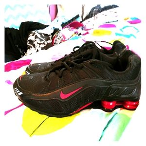 Shoes - New Women's Nike Shocks